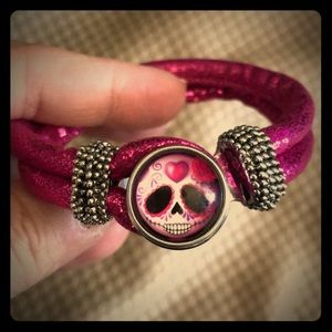 Jewelry - Hot pink rope 1 snap bracelet- NEW!